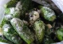 Greiti agurkai savo sultyse maišelyje. Išsisaugokite receptą!