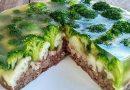 Užpiltinis mėsos tortas su daržovėmis, gaunasi nerealiai skanus ir labai gražus