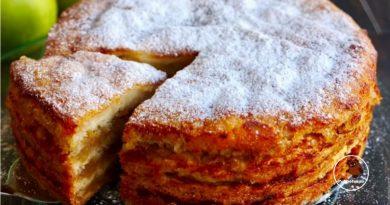 """Obuolių pyragas """"3 stiklinės"""": viską sumaišome ir gatava"""