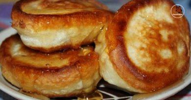 Greiti ir skanūs pusryčiai. Purūs blynai su kefyru ir obuoliais